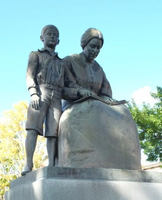 Edison-and-Mama-in-park-324x400